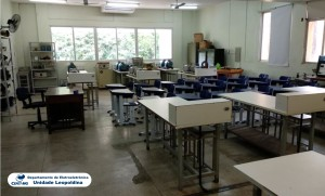 Fotografia do Laboratório de Acionamentos e Máquinas Elétricas