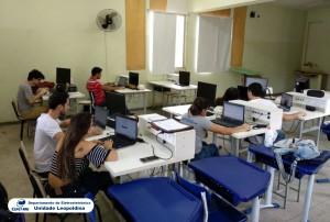 Fotografia do Laboratório de Eletrônica