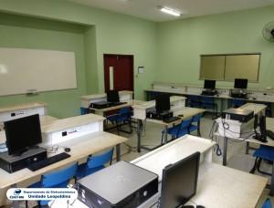 Fotografia do Laboratório de Eletrônica Digital